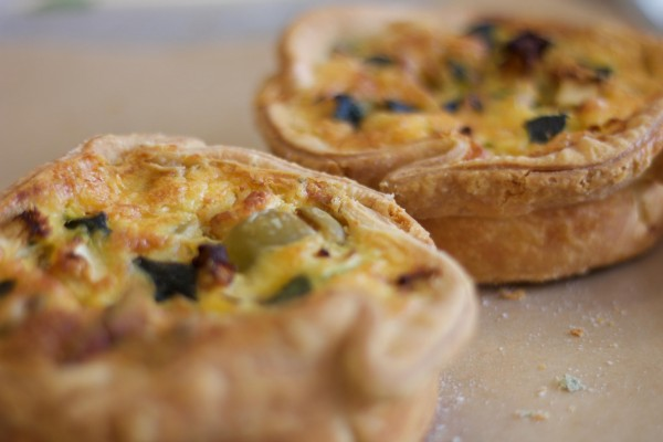 Courgette, goat's cheese & olive quiche