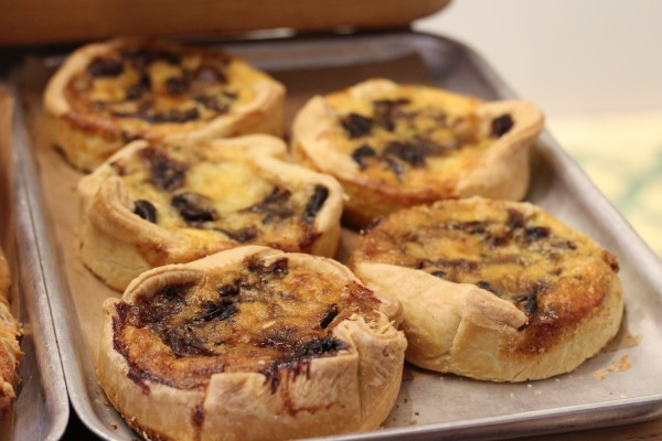 Mushroom & caramelised onion quiche