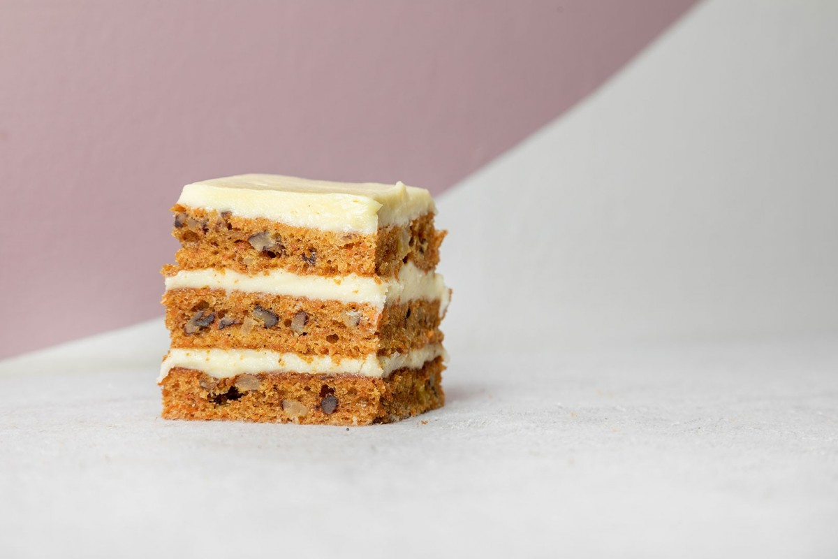 Carrot cake with cream cheese icing (individual)